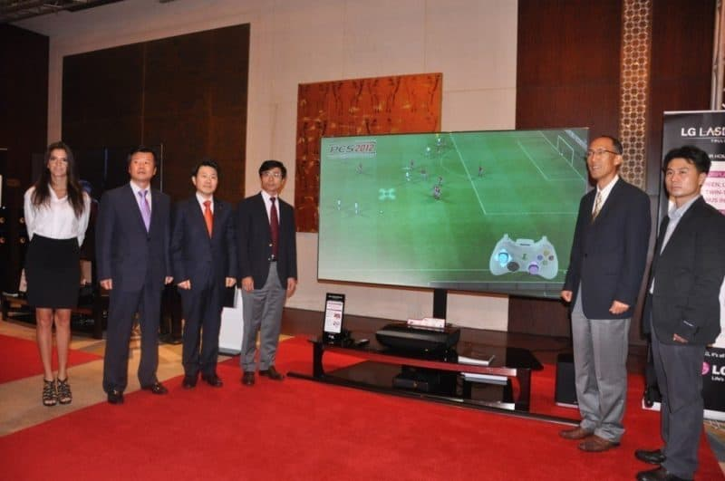 DISPLAY LASER PREMIUM LG DEBUT 100-INCH DI DUBAI.
