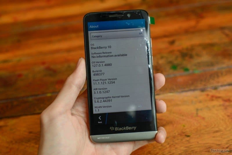 BlackBerry Z30 Unboxing und First Look Review. [Video]