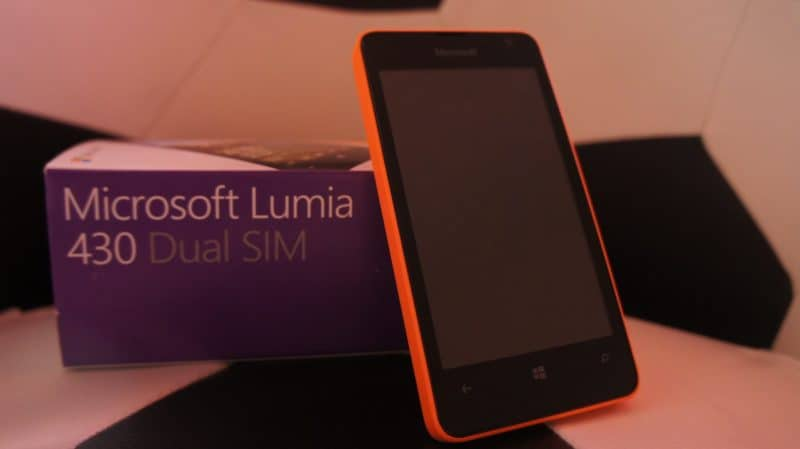 A revisão do Microsoft Lumia 430