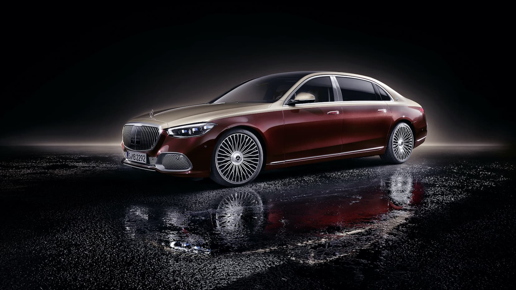 Mercedes debuts the new Mercedes-Maybach S-Class