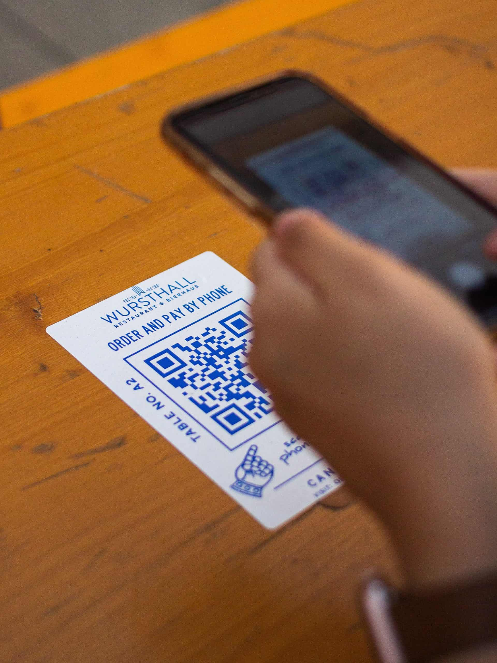 How to scan a QR code using an Android smartphone